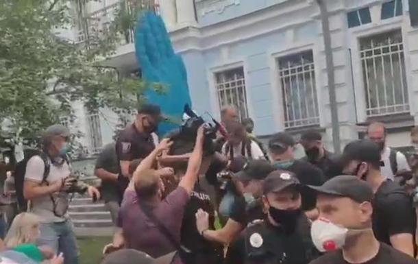 У Києві поліція затримала активіста біля посольства Білорусі