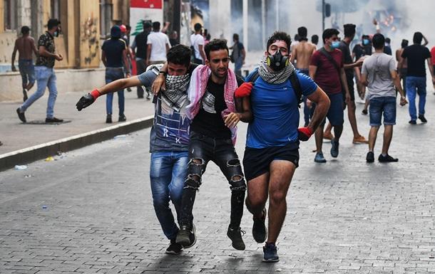 На улицах Бейрута возобновились беспорядки