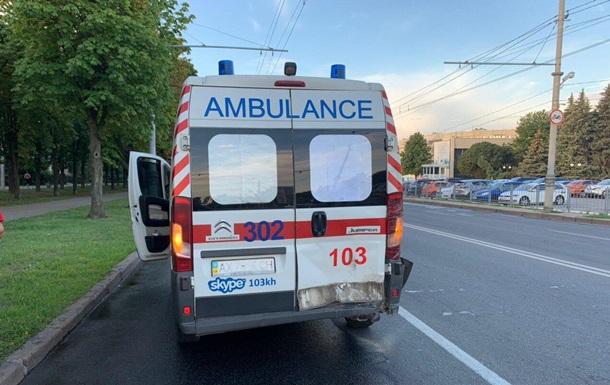 В Харькове в ДТП попала скорая помощь