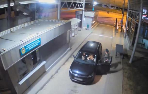 Опубликовано видео выезда Тихановской из Беларуси