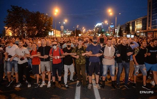 Телеграм і живі зчеплення. Як протестують білоруси