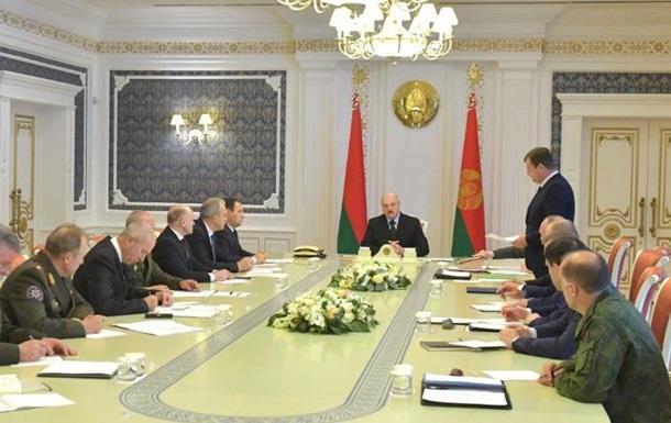 Лукашенко радить протестуючим знайти роботу
