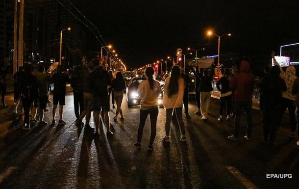 Нічні протести в Мінську завершилися без жорсткого протистояння