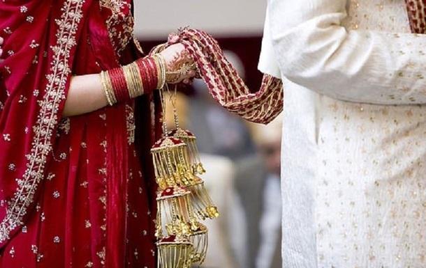 Жительницу Индии арестовали после самоубийства мужа из-за нехватки секса