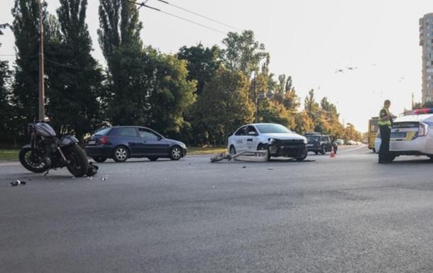 Более двадцати тысяч киевлян просят власть решить проблему с парковками