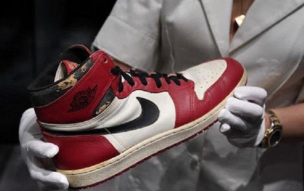 Кроссовки Джордана продали за $615 тысяч