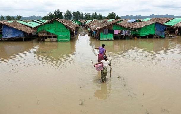 В наводнениях в Бангладеш погибли более 200 человек