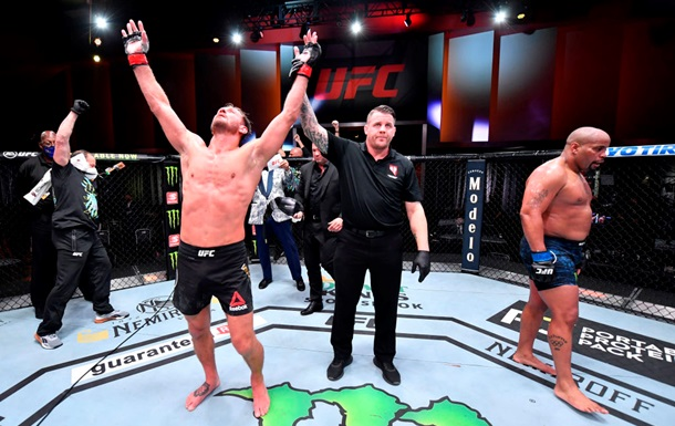 Миочич победил Кормье в главном поединке UFC 252