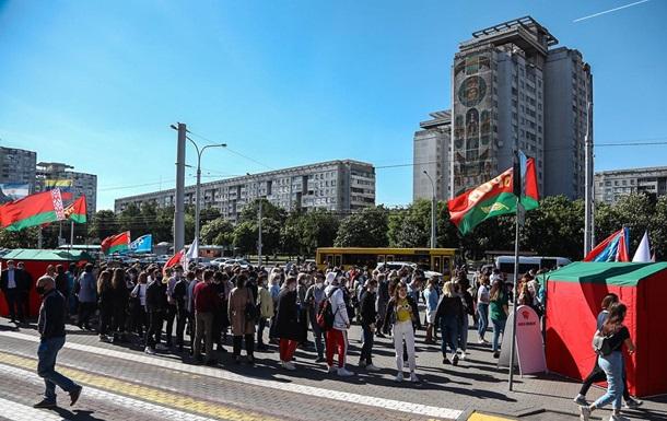 На митинг в поддержку Лукашенко везут со всей страны бюджетников - СМИ