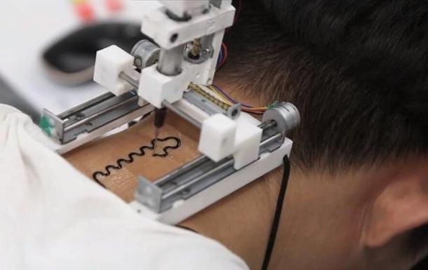 Створено 3D-принтер, що друкує на шкірі татуювання-датчики
