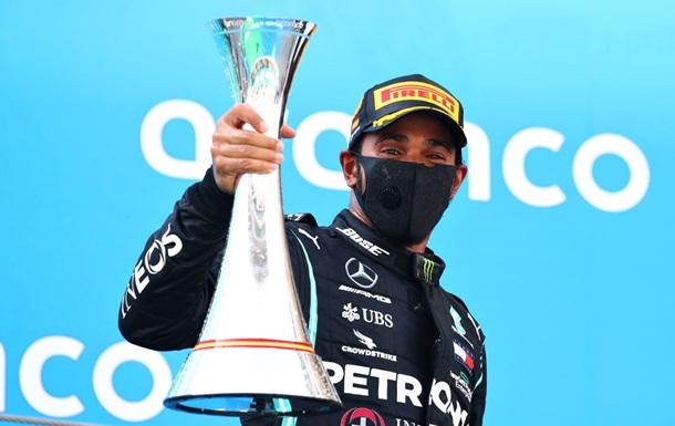 Хэмилтон без проблем выиграл Гран-при Испании