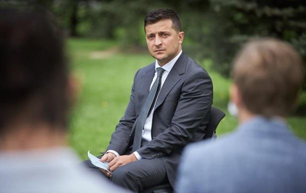 Зеленский отреагировал на поджог автомобиля Схем