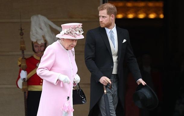Принц Гаррі посварився з Єлизаветою II через прикраси