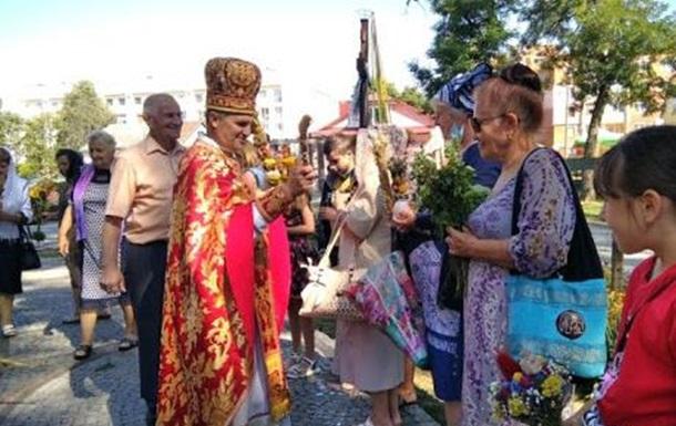 Освячення в магазинах та під воротами будинків: як проходитиме свято Спаса
