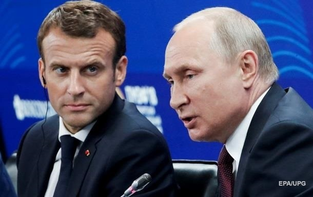 Путін після Меркель обговорив Білорусь з Макроном