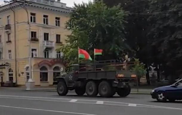 У Гомелі на мітинги за Лукашенка скликають з вантажівки