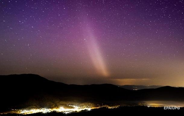NASA зафиксировало два одновременных световых явления над Аляской