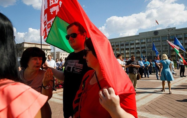 В Беларуси второй день собирают акции за Лукашенко