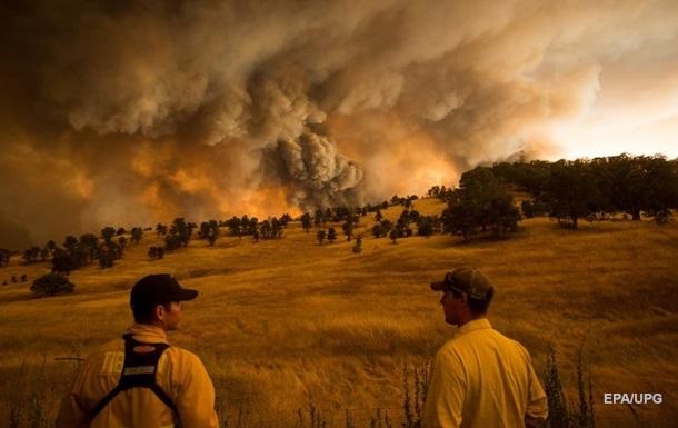 В Калифорнии за три дня произошло 11 тысяч ударов молний
