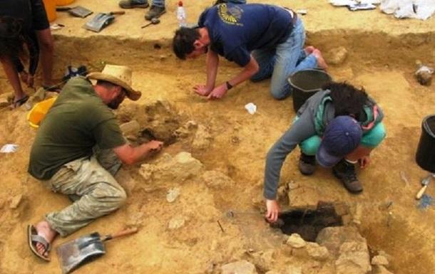Найдены древнейшие на Британских островах наскальные рисунки