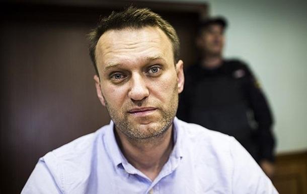Франція і Німеччина запропонували допомогу з лікуванням Навального