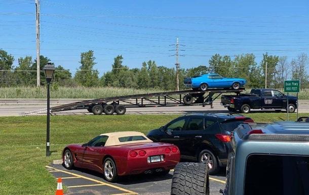 Раритетный Ford Mustang попал в ДТП по пути к новому владельцу