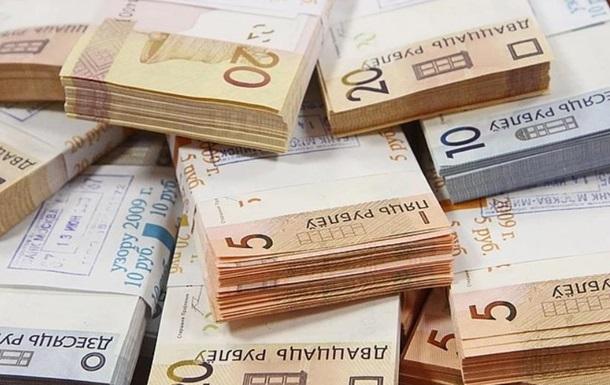 Білоруський рубль почав дешевшати до долара