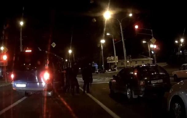 Опубликовано видео задержания водителей в Беларуси