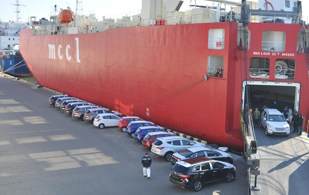 Імпорт легкових авто в Україну знизився на 36%