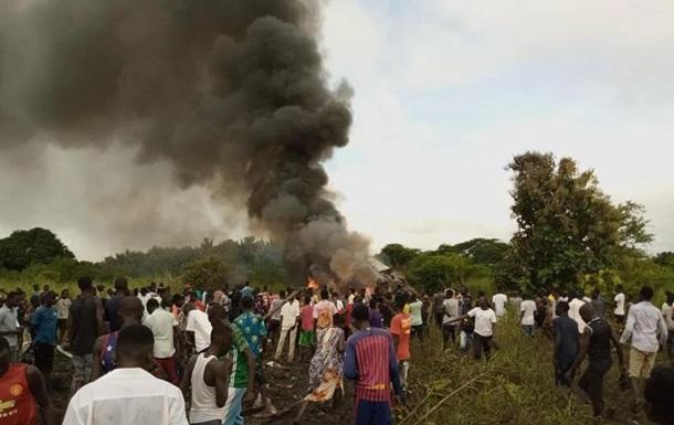 В Южном Судане 17 человек погибли при крушении самолета
