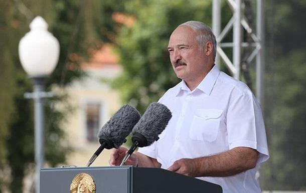 Лукашенко доручив закрити страйкуючі підприємства