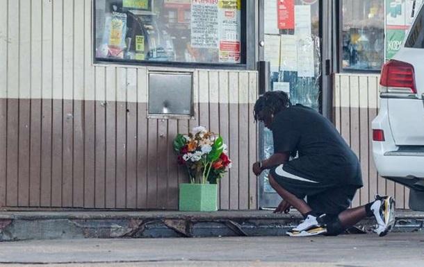 Американские полицейские убили афроамериканца при задержании