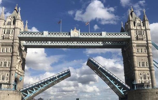 В Лондоне поломался Тауэрский мост