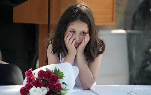 Жителям Кіпру заборонили цілуватися і танцювати на весіллях