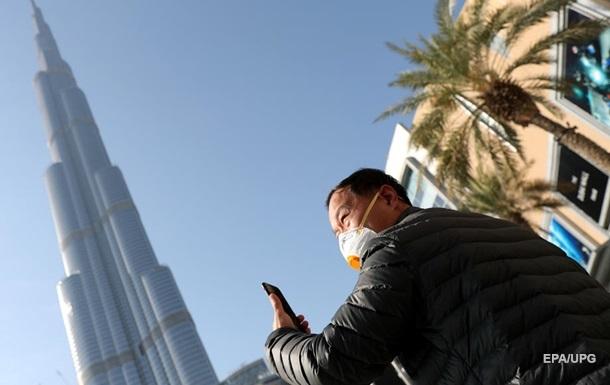 Высочайший небоскреб в мире стал сине-желтым - видео