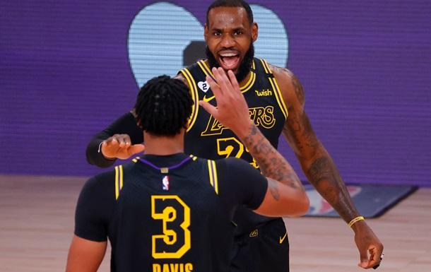 НБА: Оклахома одолела Хьюстон, ЛеБрон и Дэвис разгромили Портленд