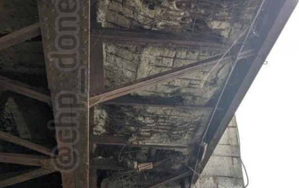 Мост через Кальмиус в оккупированном Донецке рассыпается - шокирующие фото