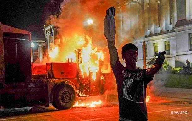 В Висконсине вспыхнули беспорядки. Фоторепортаж