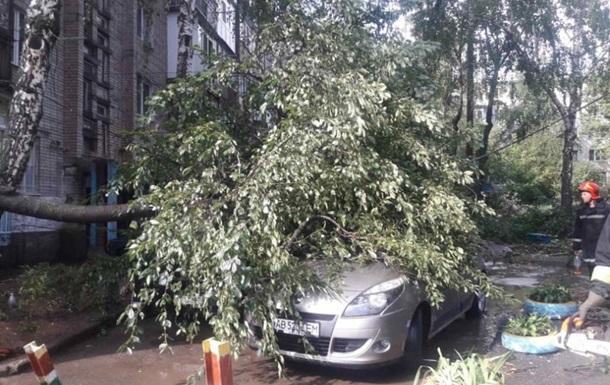Вінницю накрив ураган зі зливою