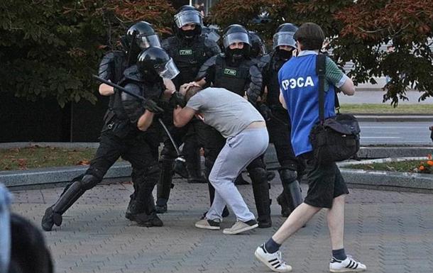В Беларуси ОМОН применил в отношении протестующих слезоточивый газ - СМИ