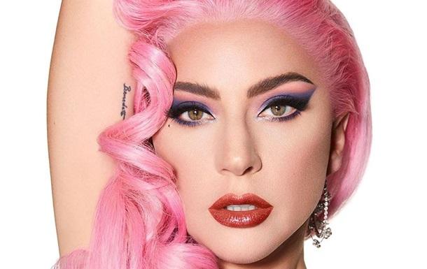Леди Гага снялась в ванне со льдом