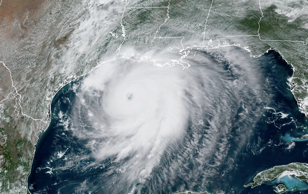 Около 1,5 млн американцев подлежат эвакуации из-за урагана