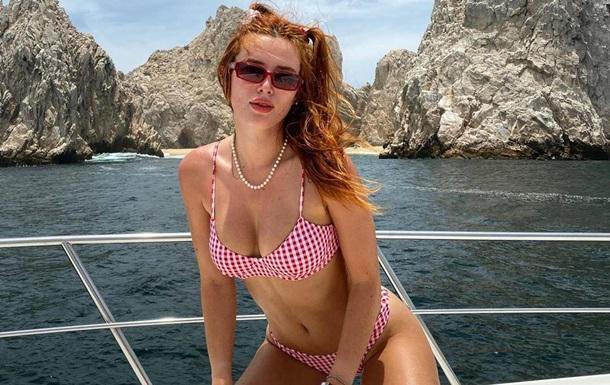 Актриса заработала миллион долларов за сутки: фото, видео