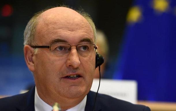 Єврокомісар подав у відставку через порушення карантину