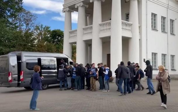 В Минске задержали два десятка журналистов