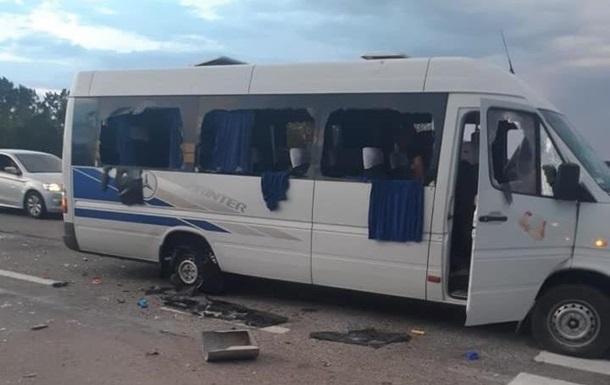 Поліція дала подробиці стрілянини по автобусу