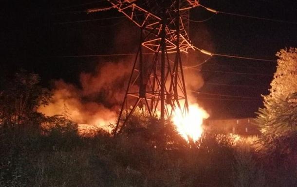 На Одещині сталася пожежа під високовольтними лініями