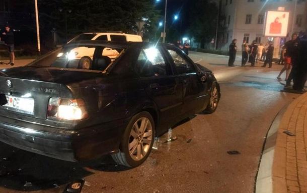 В Черногории автомобиль въехал в толпу людей - СМИ