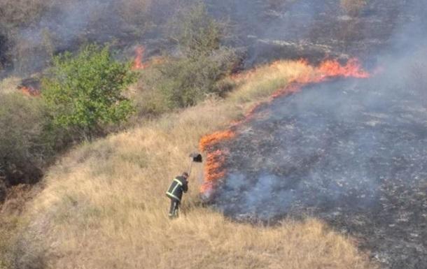 У Миколаївській області масштабна пожежа
