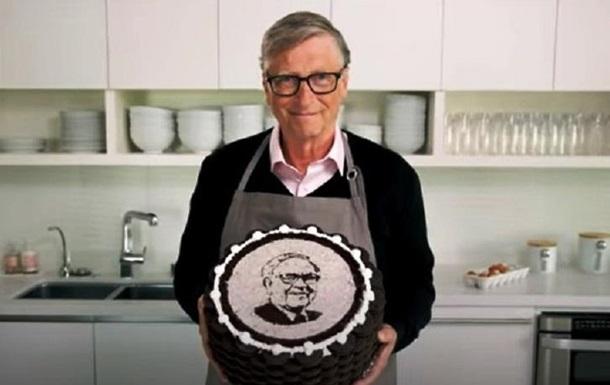 Білл Гейтс спік торт з портретом мільярдера